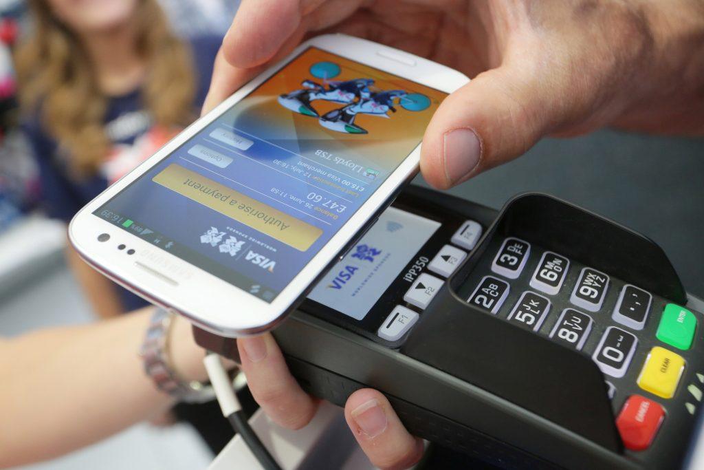 HCE - technologia płatności zbliżeniowych smartfonem