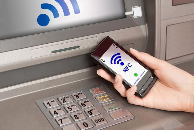 Wypłata z bankomatu bez karty - NFC